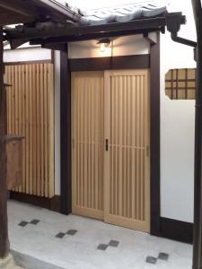 (after)玄関外観